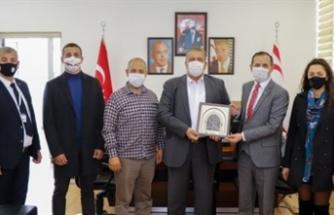 Arter, Azerbaycan Kıbrıs dostluk cemiyeti'ni kabul etti