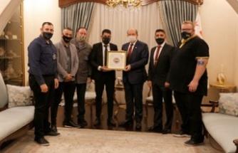 Tatar, Kıbrıs Türk gençliği en büyük haksızlığa spor ambargosundan dolayı uğruyor