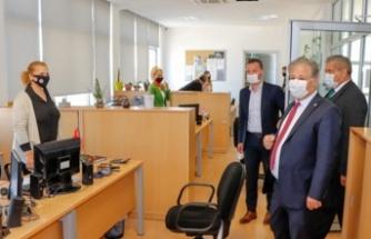 Arter, Pilli ile birlikte gazimağusa'daki pcr ve aşı merkezlerini ziyaret etti