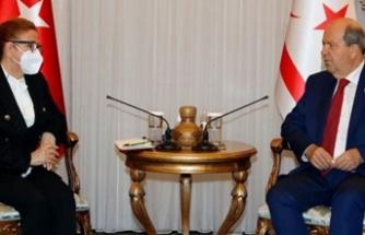 Tatar Türkiye Ticaret Bakanı Ruhsar Pekcan ve heyetini kabul etti