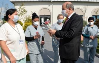 Tatar'dan kadın sağlık çalışanlarına ziyaret