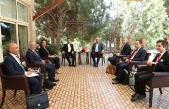 Ertuğruloğlu, Azerbaycan dışişleri bakanı Bayramov ile görüştü