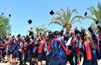 DAÜ Sağlık Bilimleri Fakültesi bahar mezunları için yemin töreni düzenledi