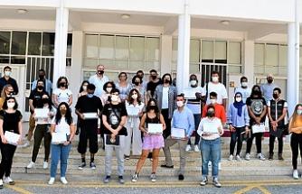 DAÜ Sinema ve Televizyon Bölümü şeref ve yüksek şeref öğrencileri için sertifika töreni düzenledi