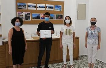 """TRT """"İletişim ve Medya Eğitimi"""" Programına katılan LAÜ öğrencileri belgelerini aldı"""