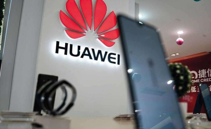 Google, Huawei'nin iki 'bomba' telefonunu listeden çıkardı