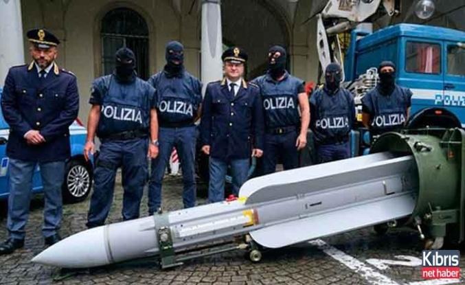 İtalya'da Füze Ele Geçirildi