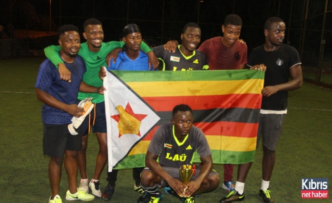 Zimbabveli öğrenciler turnuvada bir araya geldi