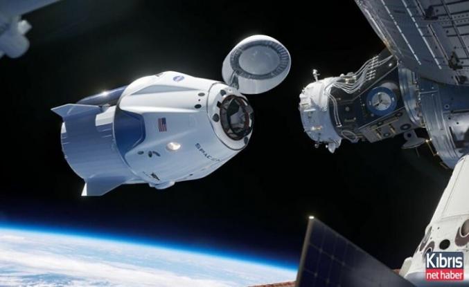 SpaceX'in Dragon kapsülü Uluslararası Uzay İstasyonu'na kenetlendi