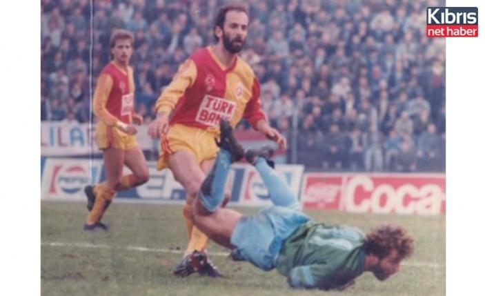 Galatasaray ve Türk futbolunun unutulmaz isimlerinden Erhan Önal hayatını kaybetti