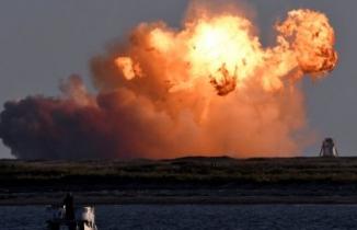 SpaceX'in roketi test sırasında böyle patladı